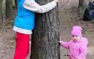 Голубоглазое чудо! Лера Кудрявцева с дочерью на прогулке очень умили всех поклонников