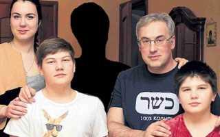 После ухода жены Андрей Норкин остался с четырьмя детьми один… непросто